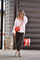Esra E. - 5 Preview Red Patent Leather Mini Cross Body Bag, Philippe Model Sneakers With Colibris, H&M White Blouse - Inbetween business & sporty