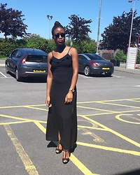 Kudz Ai - New Look Dress, New Look Gold Sandal - Slit Slayage