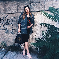 Daniela Macsim - Pull & Bear Shirt, Nike Sneakers - Outfit of the day