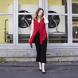 Ivana Braer - Le Soliel Shirt, Vintage Pants, Indiana Heels - Sexy in Red