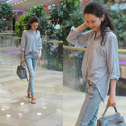 Claire H - H&M Striped Shirt, G Star Raw Jeans, Twin Set Bag, Zara Metallic Mules - Everything is better with a smile