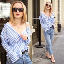 Karolina G -  - Off shoulder