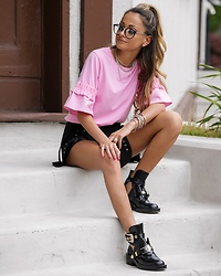 Lauren Recchia - H&M Flounced Sleeve Top, Storets Eyelet Shorts, Balenciaga Boots, H&M Glasses - Laces Out