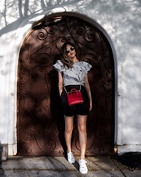Lucky Orchid - Strathberry Ruby Nano Tote, Topshop Sneakers, H&M Shorts, Zara Poplin Frill Blouse - Ruffles and Red