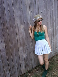 Petra Butkova - Ihlow Necklace, Ihlow Skirtshorts - Love my hat