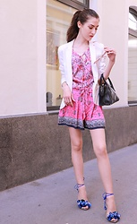 Veronika Lipar - Aquazzura Blue Sandals, Juicy Couture Pink Printed Top, Juicy Couture Pink And Blue Printed Silk Shorts - Print on Print plus Pink