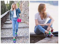 Anastasiia Masiutkina - H&M Jeans, J.Crew T Shirt, Celine Jacket, Burberry Sneakers, Valentino Bag - Casual day