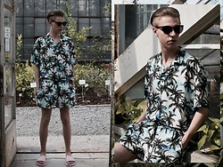 Piotr Czak - Jaded London Shirt, Jaded London Shorts, Slydes Sliders, H&M Sunglasses - MAUI LOOK