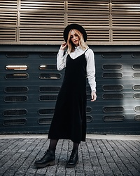 Tara-Lee McNulty - Jota   Kena Black Velvet Slip Dress, Jota   Kena White Classic Shirt, Mrp Hat, H&M Boots - Black Velvet