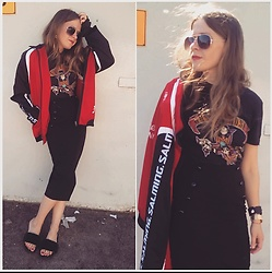 Alla Dolzhenko - H&M T Shirt, Dorothy Perkins Black Skirt, Aviator Sunglasses, Sport Jacket, H&M Flats With Fur - Gun's 'n' roses