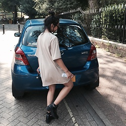 Callmekaali Mgr-nee - Zara Oversized Men's Tee, Boohoo Ankle Boots - Let's go for a ride.