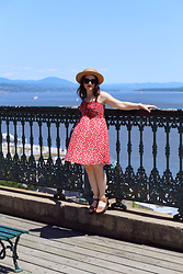 Lyzie McCake - Simons Red Dress, Jonak Shoes, Ardene Hat, Primark Sunglasses - Escapade à Quebec
