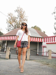 Lily S. - Petal Shorts, Lucky Brand Gladiato Sandals, Bag - Easy Street... // Instagram: @pslilyboutique