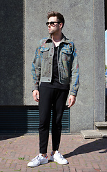 Jordi - Dries Van Noten Parrot Denim Jacket, Cos Tee, Cos Zip Trousers, Adidas Stan Smith - Parrots