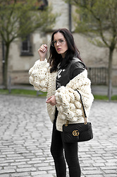 The Day Dreamings - Mumshandmade Knit, Gucci Bag, H&M Shirt, Zara Skinny, Zara Eyewear - Summer knit