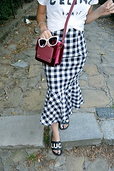Marija M. - Rosegal Gingham Skirt, Gamiss Cross Body Bag, Twinkledeals White Sunglasses - Gingham skirt