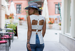 The Blonde Bliss - S.Oliver Jeans, Cluse Watch, The Blonde Bliss Hat, Details On - Show your back