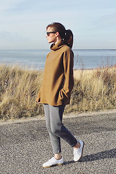 Christine R. - Weekday Sweater, Adidas Gazelle Sneakers - Comfy