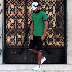 Mohamed Samaras - Adidas X Palaceskateboards 7panel, Stoneisland Polo, Levi's® Short, Adidas Gazelle - Im who I am, and I never pretend being someone else