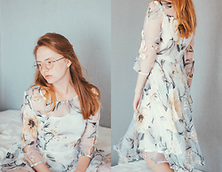 Kristina Magdalina - Fashionmia Dress - No Makeup Look / Floral Printed Dress