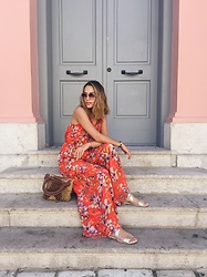 Liza Odinokikh - Marc Cain Jumpsuit, Vintage Bag, Rochas Sunglasses, H&M Sandals - Orange mood