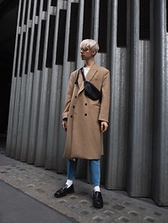 Mikko Puttonen - Eastpak Bag, Derrohe Coat, Marni Shoes, Asos Jeans - Camel