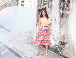 Mayo Wo - Karen Walker Transformer Sunnies, Anna October Crop Top, Alexis Lace Skirt, Valentino Mary Jane Shoes - Impromptu coordination with the floor