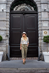 The Blonde Bliss - Massimo Dutti Loafers, Zara Pants, The Blonde Bliss Hat, More Details Of The Look On - Nude hat x elegant pants