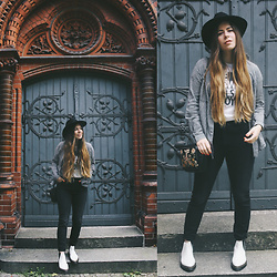 Elaine Hennings - &Other Stories Jeans, Dr. Martens Boots, H&M Hat, Esprit Shirt, Asos Embroidered Bag - Delirious