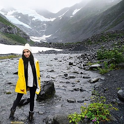 Neno Neno -  - Yellow Raincoat in Alaska