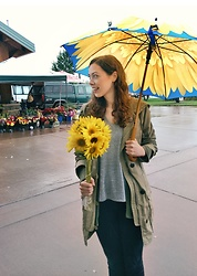 Hannah J - Gap Jacket, A New Day Grey T Shirt, Topshop Black Skinny Jeans - Sunflowers on a rainy day
