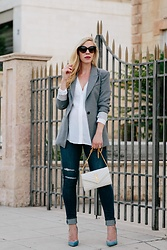 Meagan Brandon - Similar Blazer, Similar Blouse, Paige Maternity Jeans, Saint Laurent Monogram Chain Wallet, Similar Pumps - Chic Maternity Outfit with Blazer & Jeans