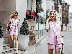 Margarita Maslova - T Skirt Pink Suit, See By Chloé Bag - Summer pink suit