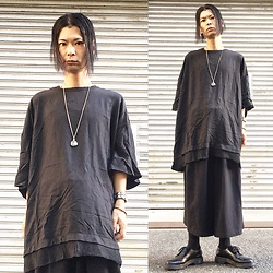 @KiD - Ch. Extreme Silhouette Tee, Monochrome Hakama Pants, Funk Plus Studs Bracelet, Dr. Martens 3 Hole Shoes - Japanese Trash186