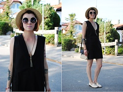Monique K.... - Monki Dress, Vero Moda Bag, Sunglasses - Back to black