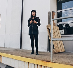 Emma M. - Sonia Rykiel Heels - All black 90s beatnik