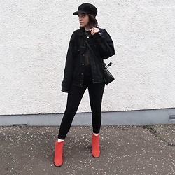 Natasha Hide - Bershka Baker Boy Cap, Next Red Boots - Dare to be bold!