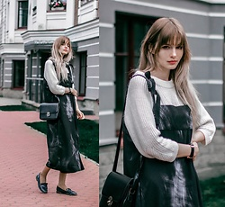 Mary Volkova - Dress - BLACK