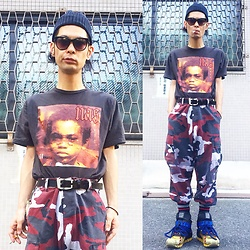 @KiD - Nas Illmatic, Rothco Red Camouflaged Pants, Camper Bernhard Willhelm - Japanese Trash187