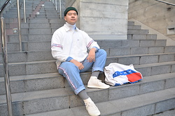 Miguel Valero - Tommy Hilfiger Shirt, Tommy Hilfiger Jeans, Tommy Hilfiger Duffle Bag, Puma Clyde, Asos Fisherman Beanie - Tommy Tuesdays