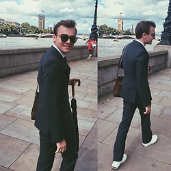 Jack Mason - Paul Smith Sneakers, Rowallan Of Scotland Leather Satchel, French Connection Uk Suit, Persol Sunglasses - CASJ MEETING ATTIRE