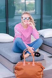 Susanne Bender - Boohoo Striped And Stars Shirt!, Jemma Bag, Amo Luz Wine O Clock Shoes, Mott & Bow Denim, Kapten & Son Sunglasses, Daniel Wellington Watch - Street style in Fall!
