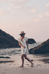 Patricia G. - Lack Of Color Hat, Bershka Dress - Sunset beach