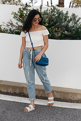 Shann V - Distressed Boyfriend, Off The Shoulder Crop, Isobel, Arizona, Oversized Sunglasses - Perth Street Style