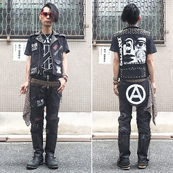@KiD - Diy Custom Riders Vest, Crass, Diy Crust Pants, Getta Grip Engineer Boots, Sid Vicious Chain, 666 Bum Frap, Funk Plus Studs Bracelet - Japanese Trash199