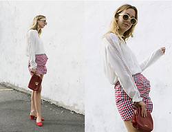 Gabrielle Lacasse - Lovers + Friends Picnic Skirt, Marc Cain White Shirt, Miu Vintage Red Bag - Me as a picnic