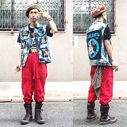 @KiD - Diy Remake Denim Vest, Obey Bad Brains, Code Red Wide Pants, Converse Long All Star, Oberride Rasta Beret, Funk Plus Studs Bracelet - Japanese Trash200