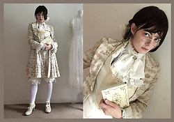 Lou Graves - Metamorphose Swan Border Coat, Marble White Velvet Cravat, Fidel David Cream Salopette, Milk Ivory Bow Shoes - Ivory Dandy