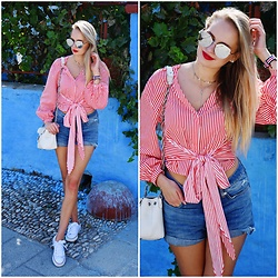 Madara L - H&M Red Striped Blouse, H&M High Waisted Denim Shorts, Deichmann White Sneakers, Striped Summer Watch - A postcard from Rhodes, Greece