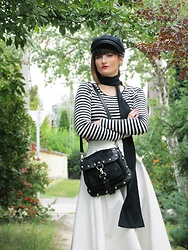 Zsanzseszkova - Karen Millen Leather Shoulder Bag, H&M Strioed Shirt, Topshop Patent Midi Shirt - BLACK&WHITE